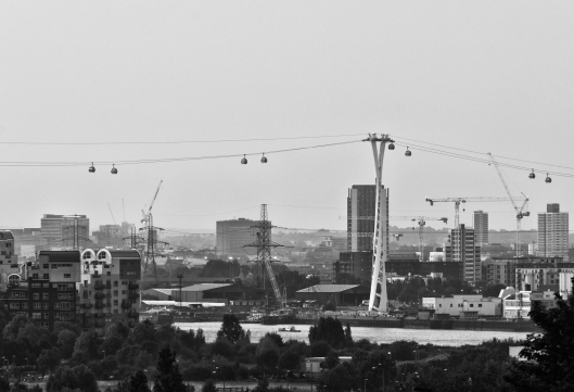 Thames: Cable Cars, Pylons, Cranes